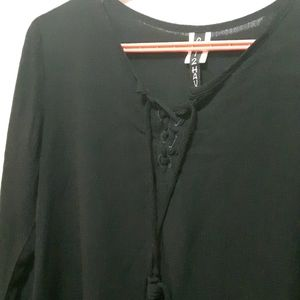 🛍️ NWOT black blouse with lace up
